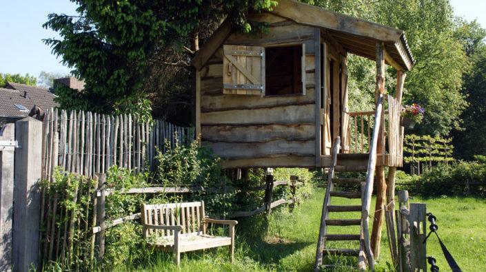 eiken-speelhut-veranda-op-palen-Kastaan