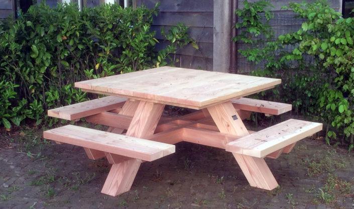 eiken-douglas-picknickbank-Kastaan