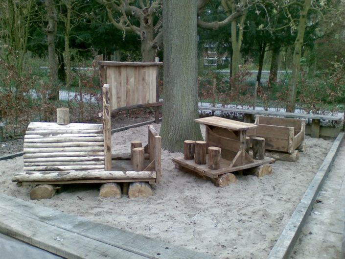 houten-speeltrein-zandbak-Kastaan
