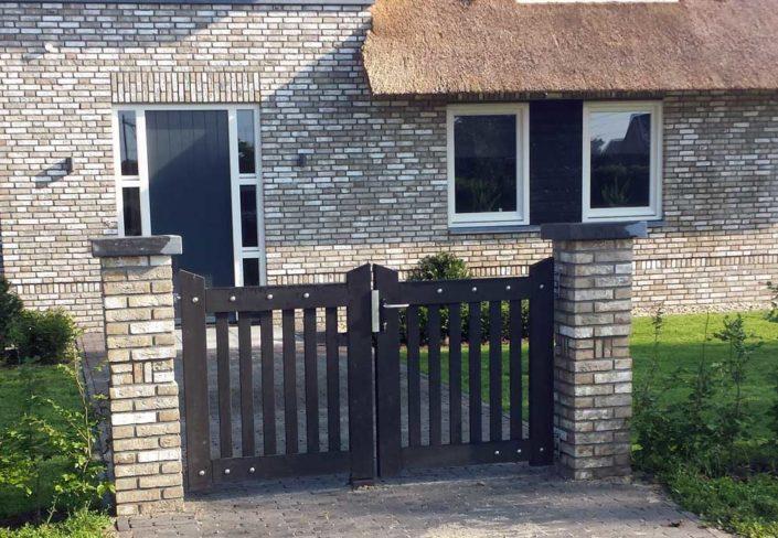 tuinpoort-pilasters-hardsteen-kastaan