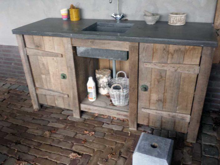 buitenkeuken-betonblad-kraan-kastaan
