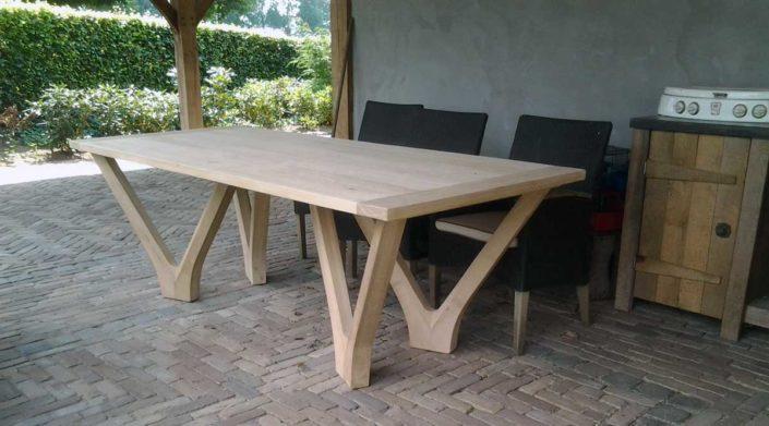 eiken-design-tafel-kastaan