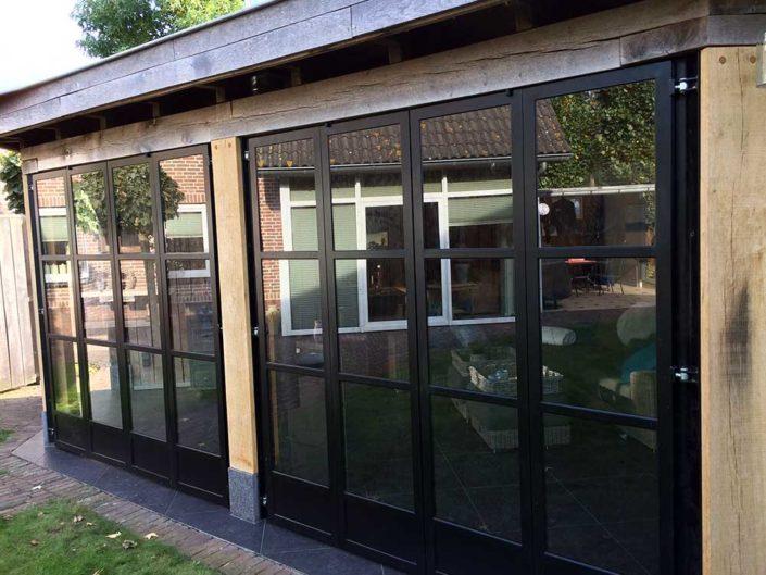 eiken-veranda-metalen-deuren-kastaan