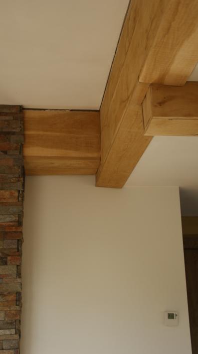 detail-eiken-liggers-hout-kastaan