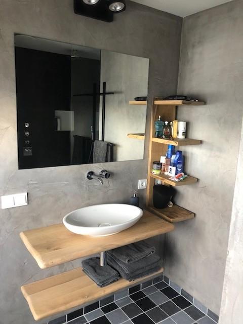 eiken-wandplank-muurplank-wastafel-badkamer